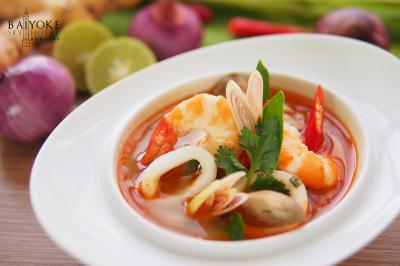 dining-Tom-yum